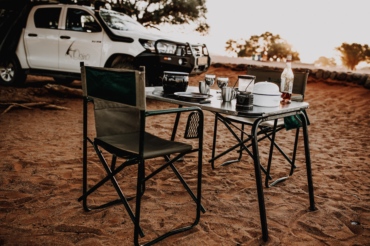 camping-at-sossusvlei-namibia-chairs-and-table