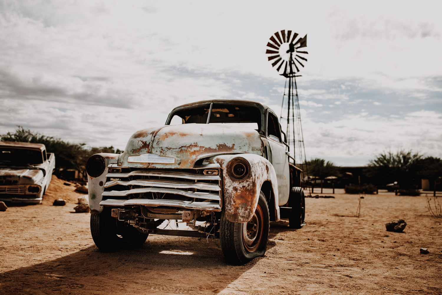 solitaire-old-cars-namibia